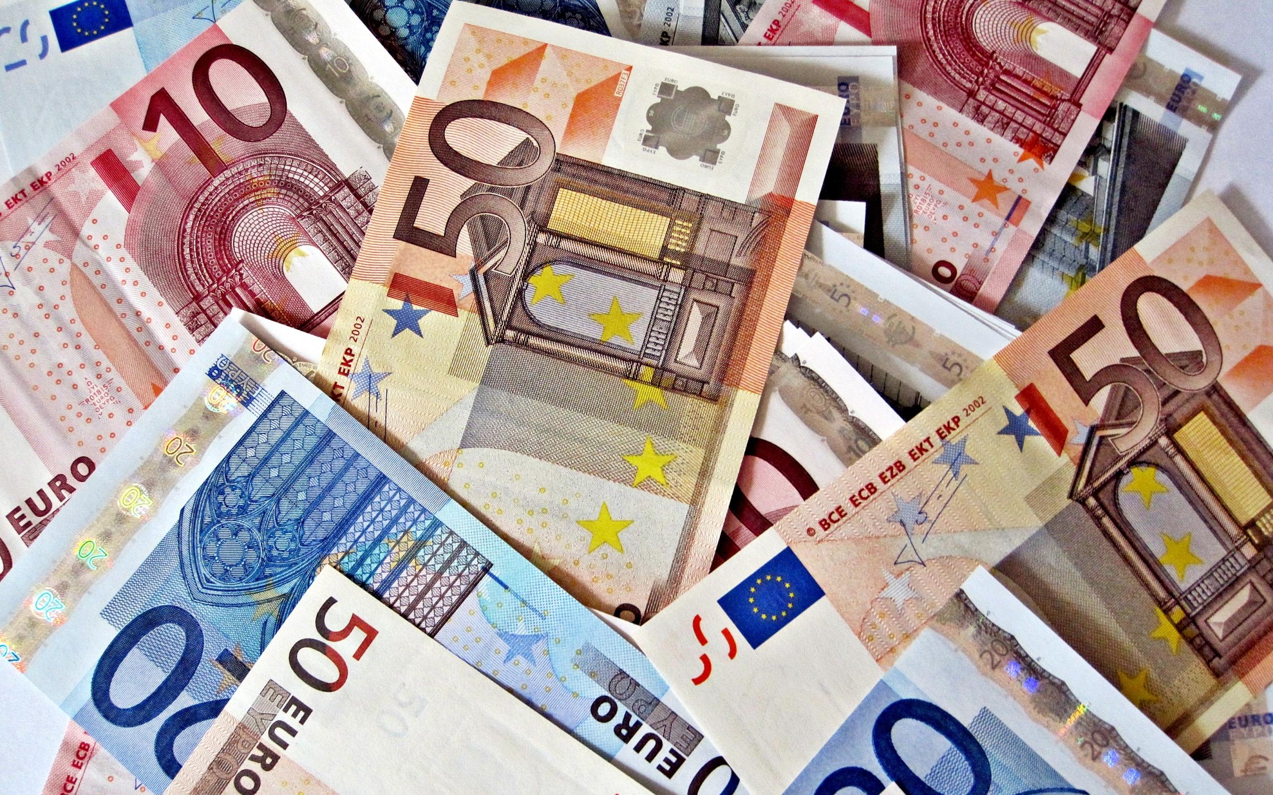 Куда можно уехать имея 5000 евро?