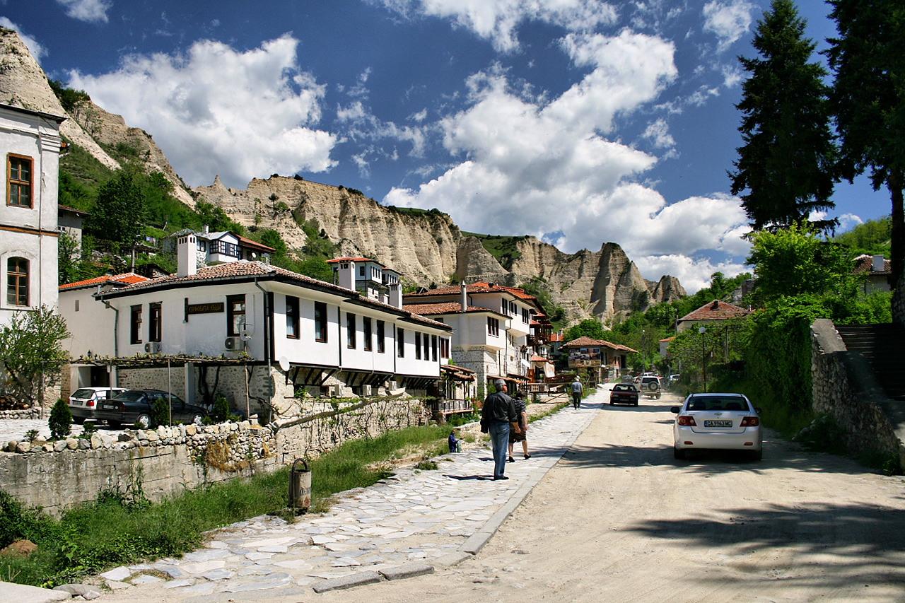 Стоит ли иммигрировать в Болгарию?