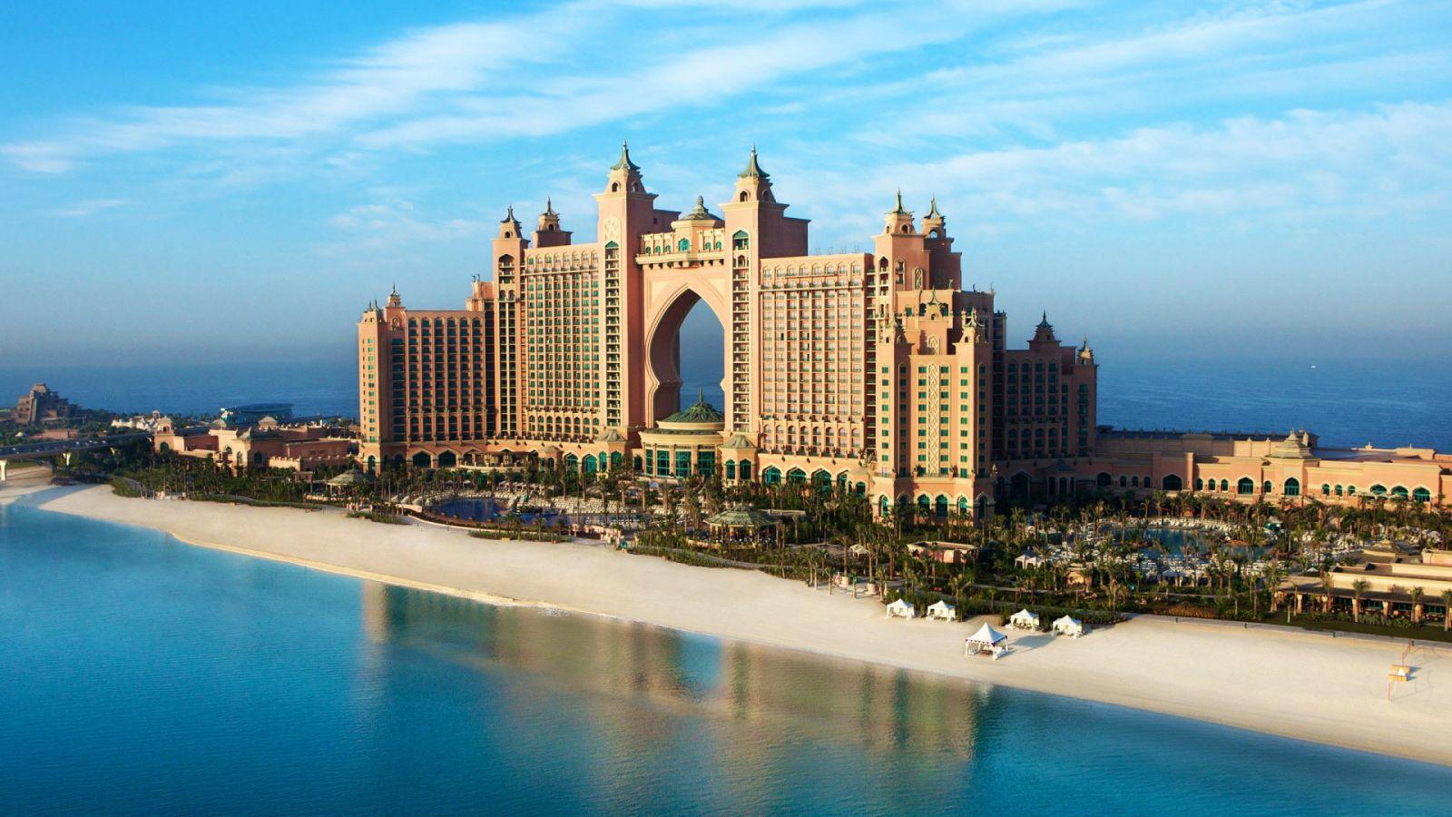 Работа в Арабских Эмиратах для русских — секреты и нюансы легального трудоустройства