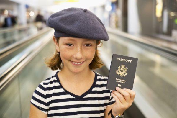 Девочка с паспортом США
