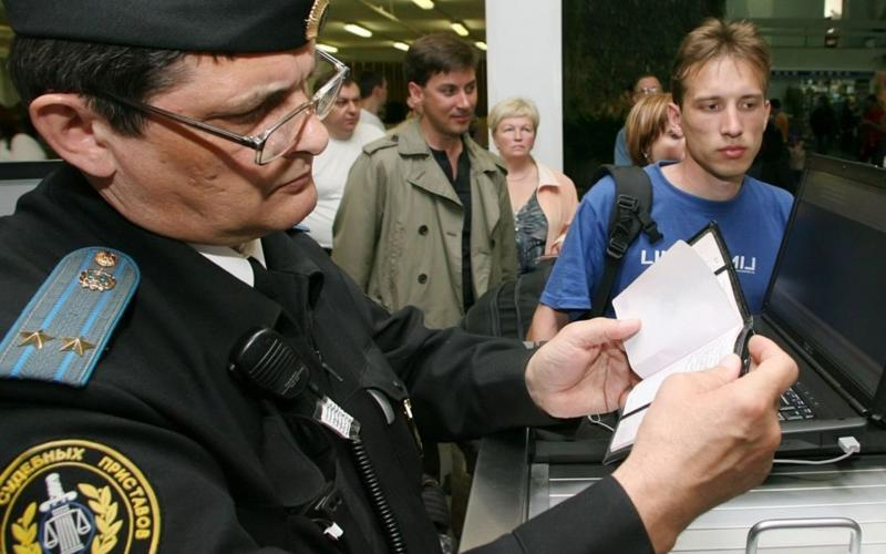 Выезд за границу с судимостью: правила, ограничения, порядок подачи документов