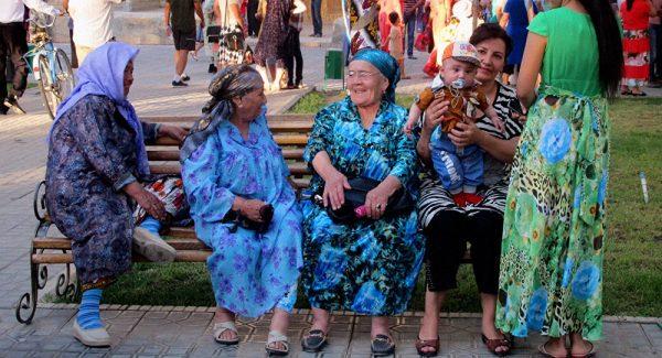 Узбекские пенсионерки