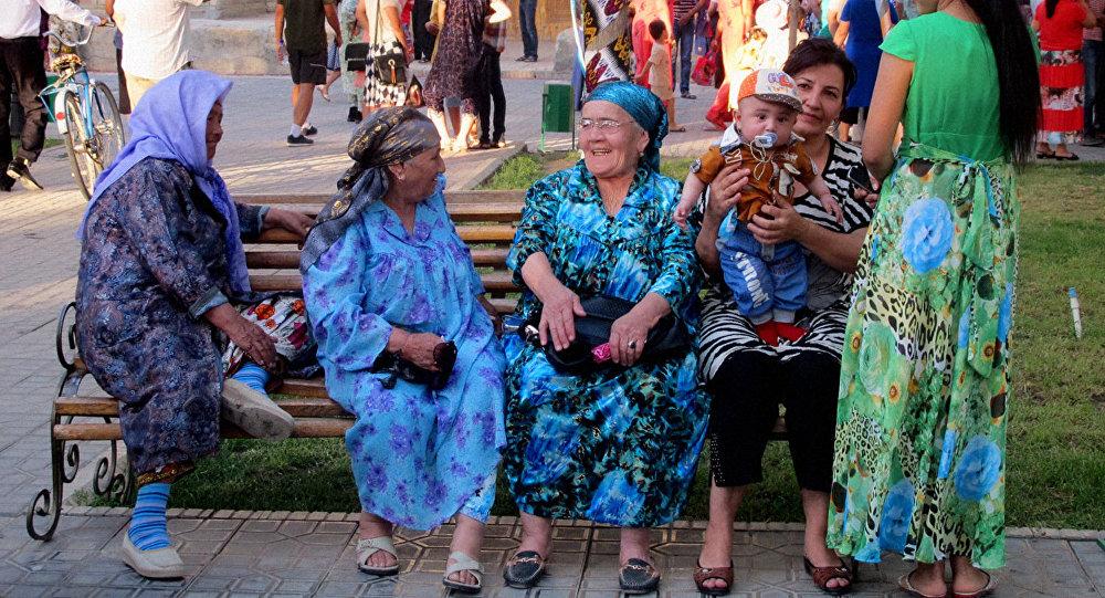 его повзрослевшая как живут узбеки в узбекистане фото отражает