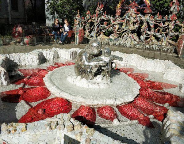 Мозаичный дворик в Санкт-Петербурге