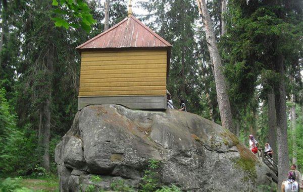 Конь-камень в Санкт-Петербурге