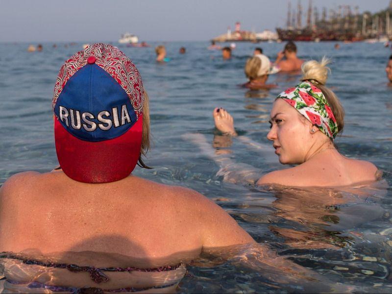 Ты узнаешь его из тысячи: типичный русский турист за границей
