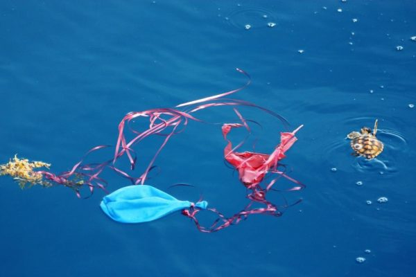 Воздушные шары в воде